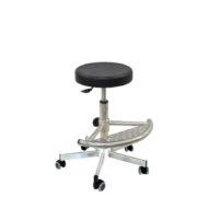 Le tabouret professionnel en inox RUM de siegepro.com avec assise polyuréthane pivotante équipé de patins antiglisse